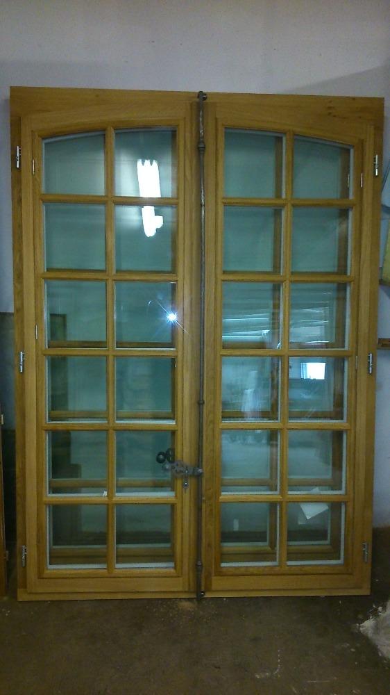 Fabrication Traditionnelle Des Fenêtres Lescalier En Bois